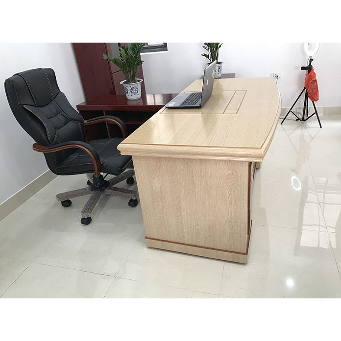 Kích thước bàn làm việc phải phù hợp với dáng người