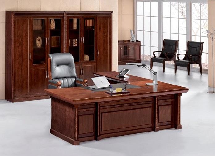 Lựa chọn bàn làm việc phải đảm bảo sự chắc chắn và vững chãi