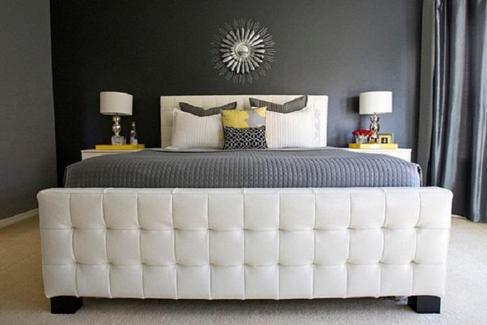 Thiết kế phòng ngủ có gam màu trắng, xám, vàng để hạn chế tác hại của hướng nhà họa hại.