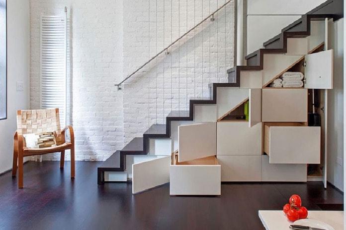 Gầm cầu thang là nơi chứa đồ lý tưởng