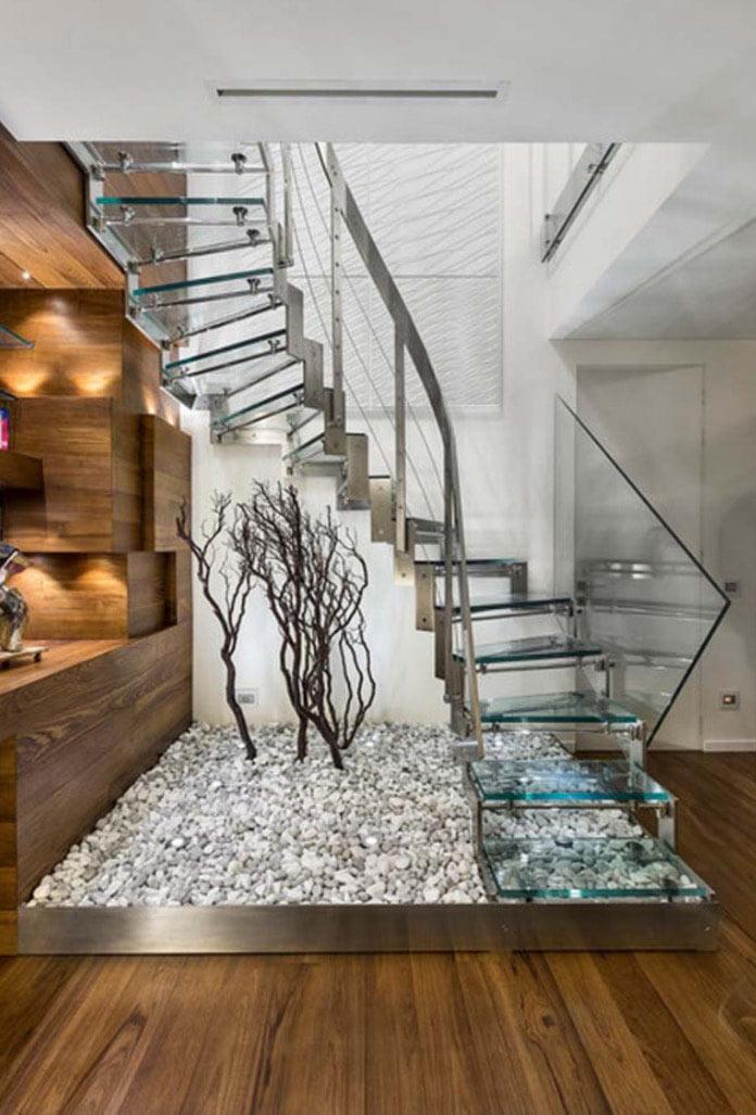 Thiết kế cầu thang với bậc kính mỏng
