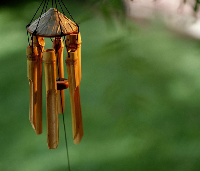 Chuông gió bằng gỗ phù hợp với phong cách dân dã, mộc mạc.